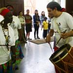 "O grupo de Samba de Lenço ""Antonio Carlos Ferraz"" se apresenta às 14h25"